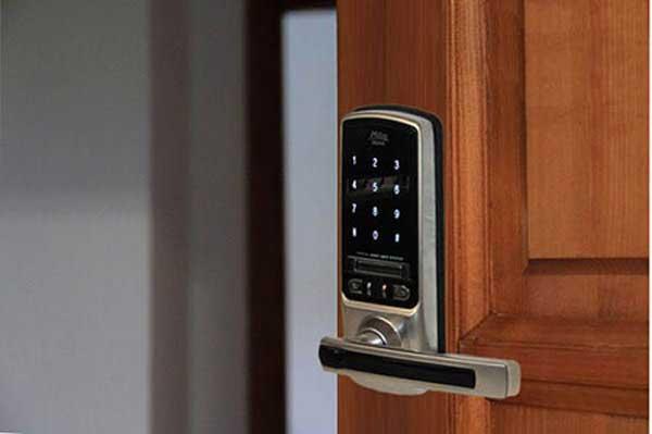 هوشمندسازی خانه با قفل دیجیتال